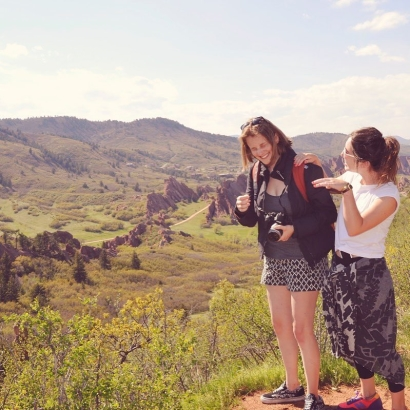 @hannahrhodesdraws and @alinelea just being themselves, on a mountain top before the rattle snake encounters